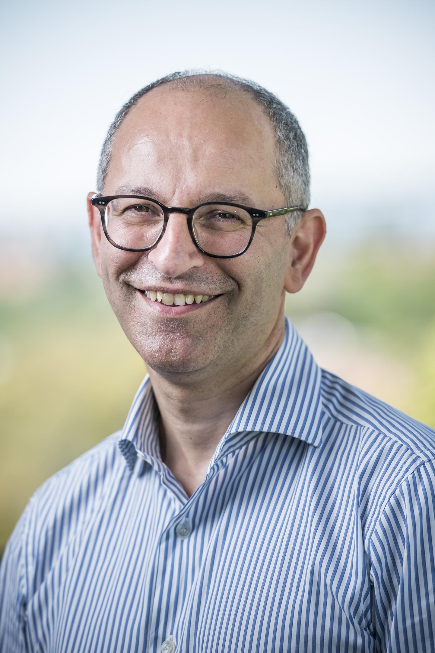 Dr Emmanuel   Karantanis