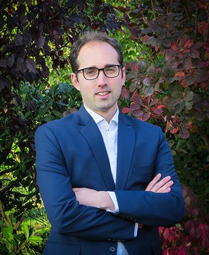 Dr Domenique   van Gennip
