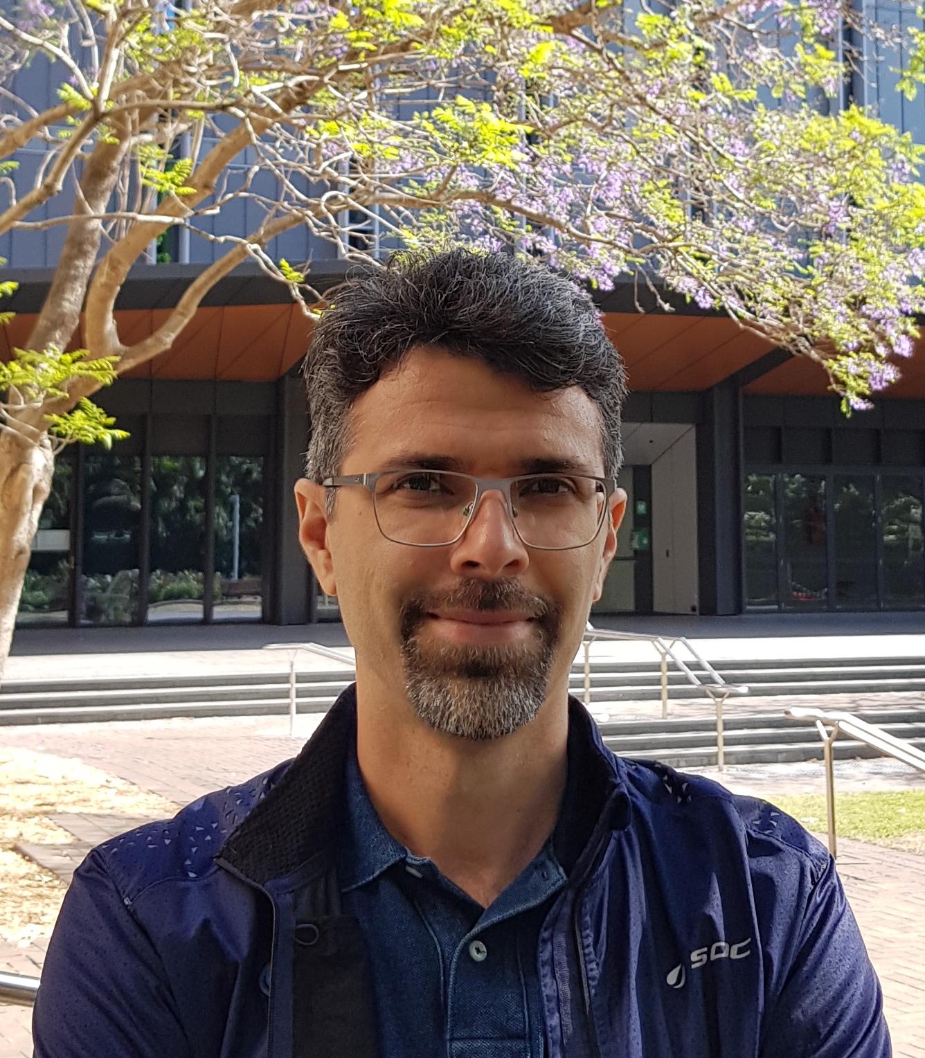 Omid   Faridani