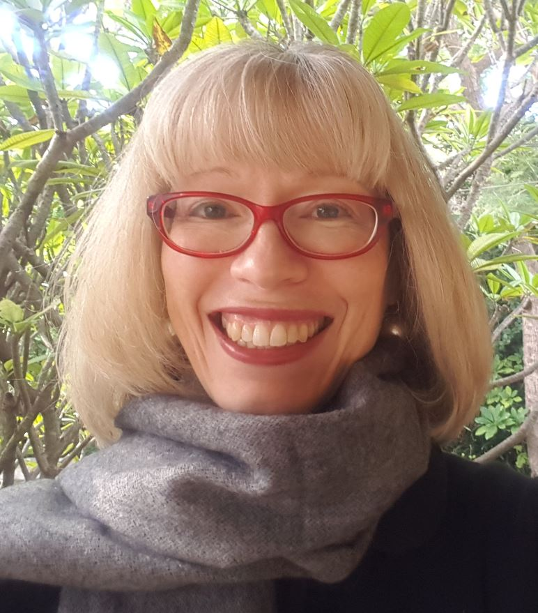 Dr Simone Louise Van Es