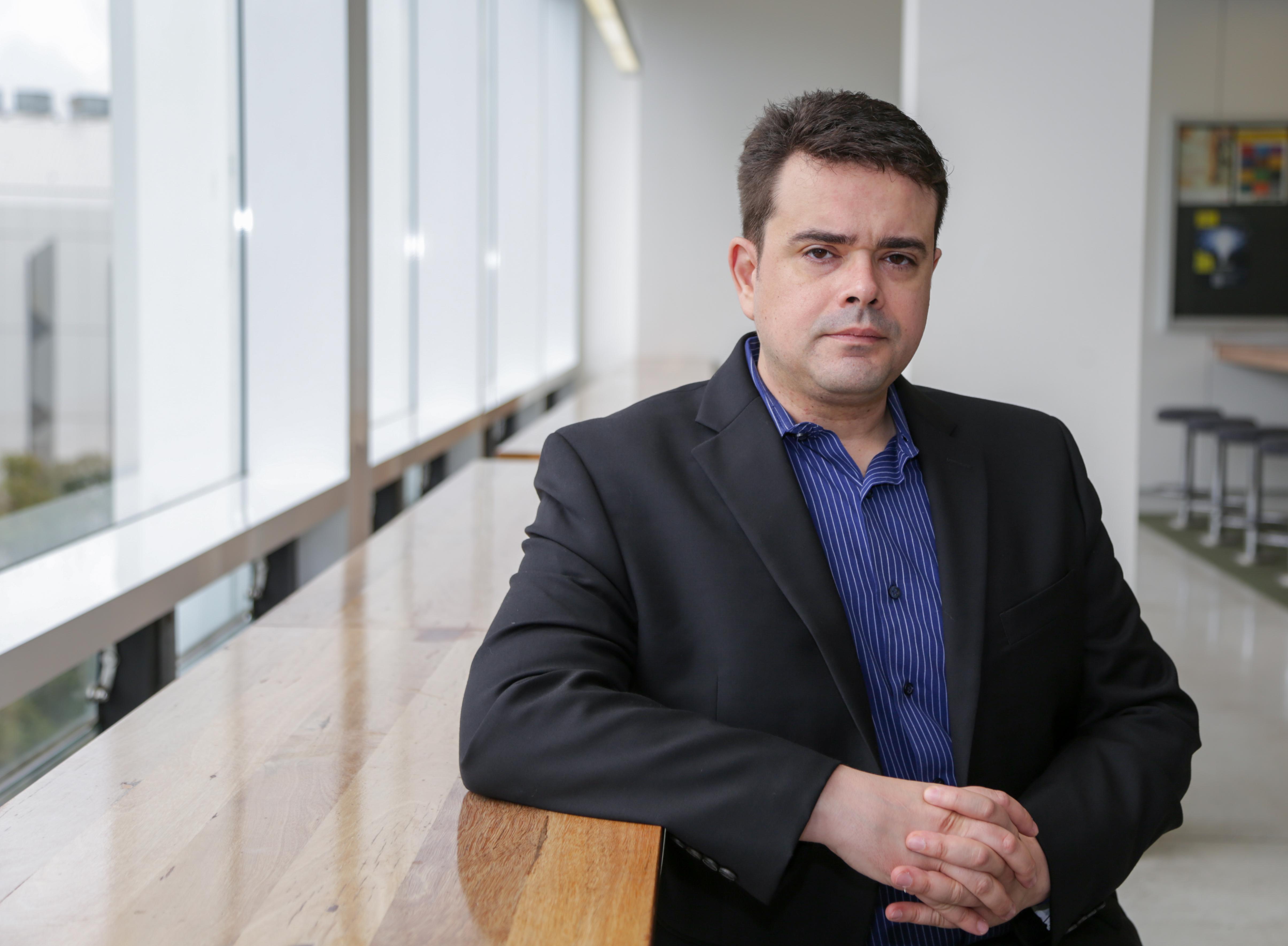 Associate Professor Breno   Schmidt