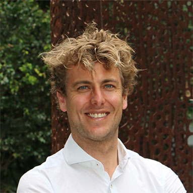 Dr Jonathan   Bonnitcha
