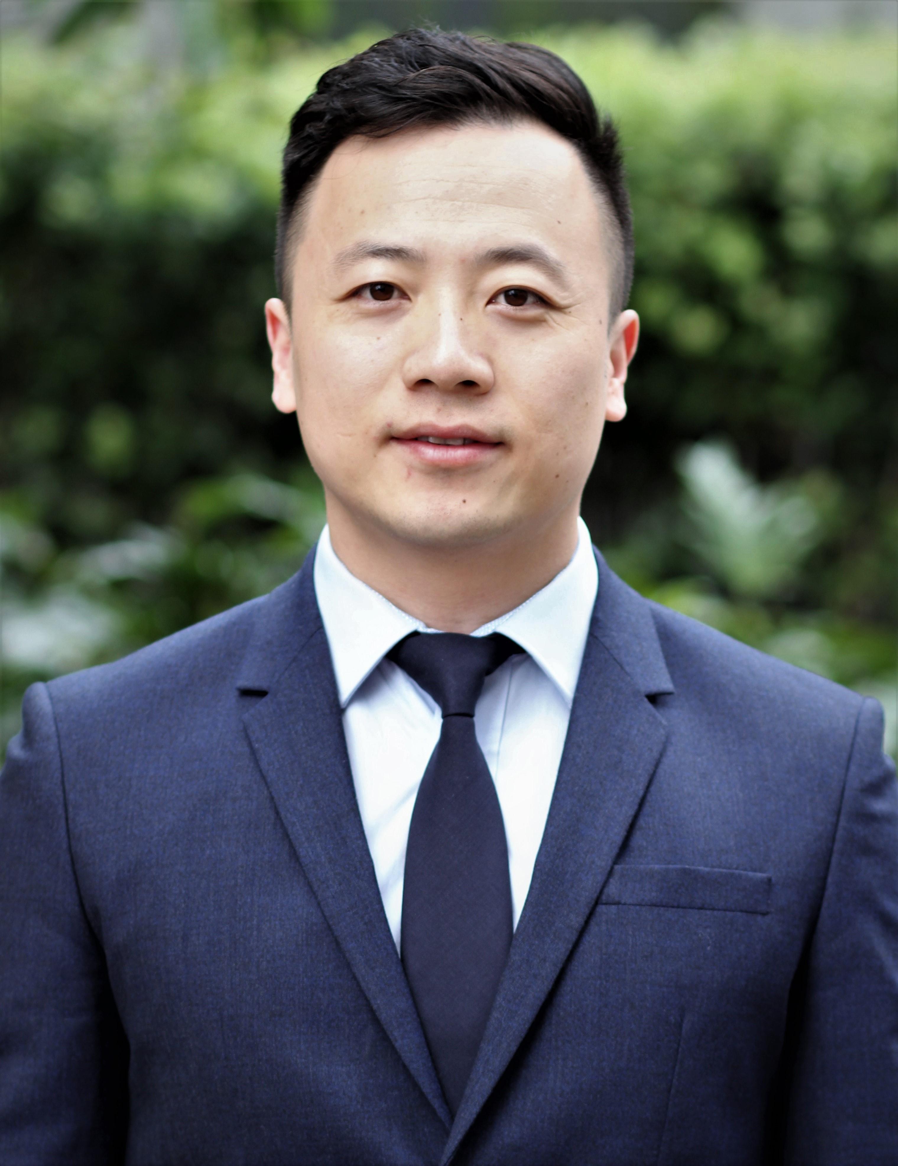 Dr Chengguo   Zhang