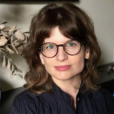 Dr Lisa Burton Crawford