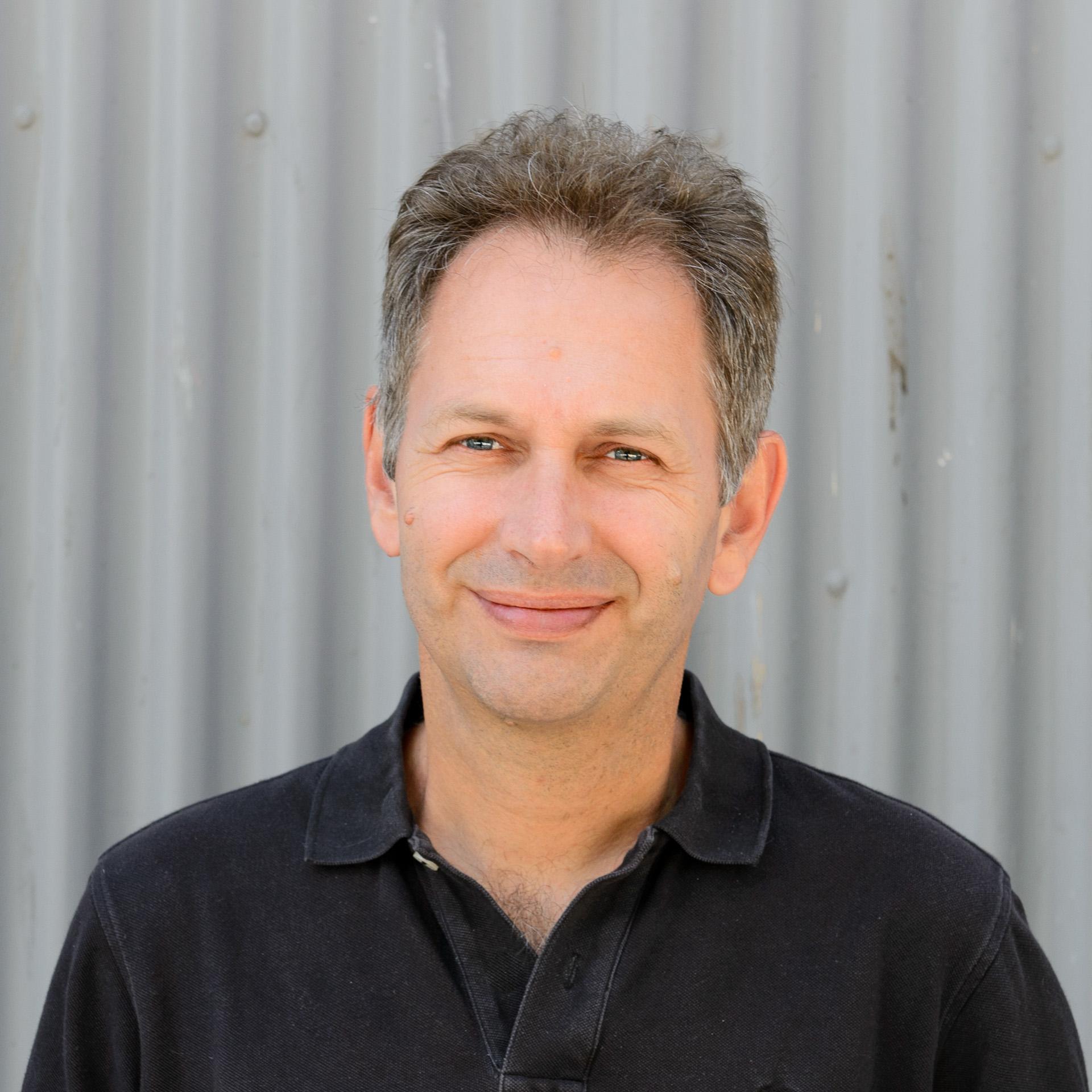 Associate Professor Kevin   Elphinstone