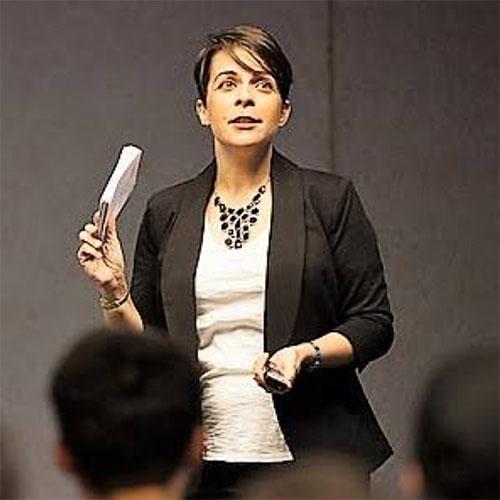 Dr Deborah   Barros Leal Farias