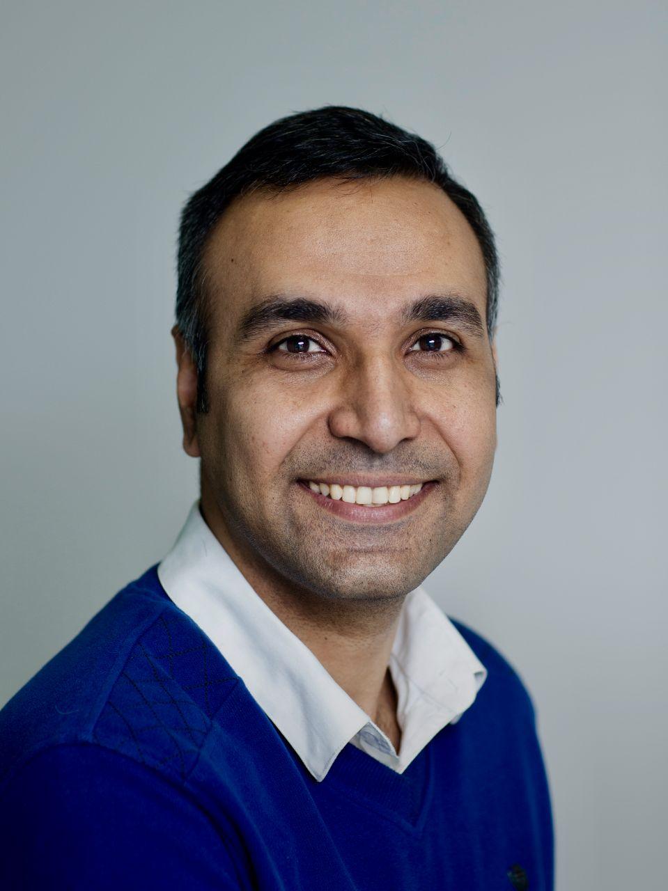 Dr Hassan   Habibi Gharakheili