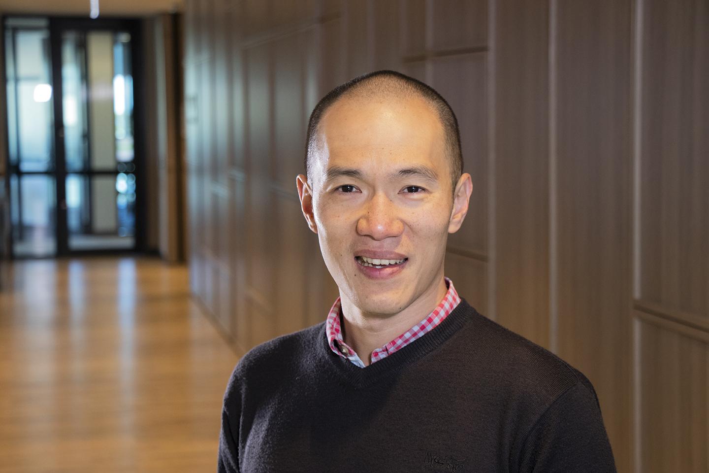 Associate Professor Jason   Wu