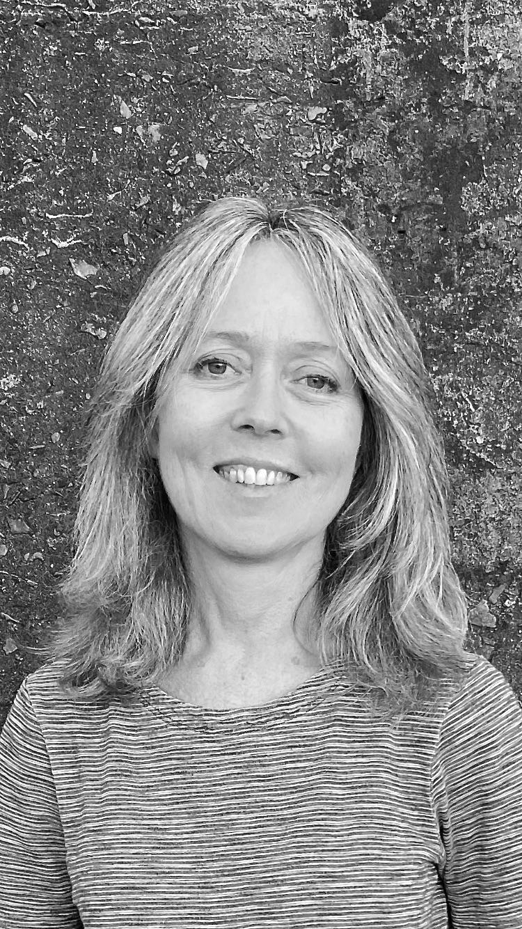 Ms Karin Thiele Watson