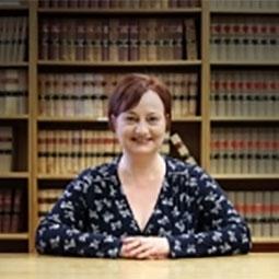Associate Professor Linda   Kirk