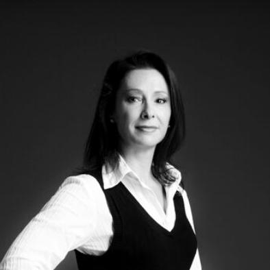 Dr Lisa Nicole Sharwood