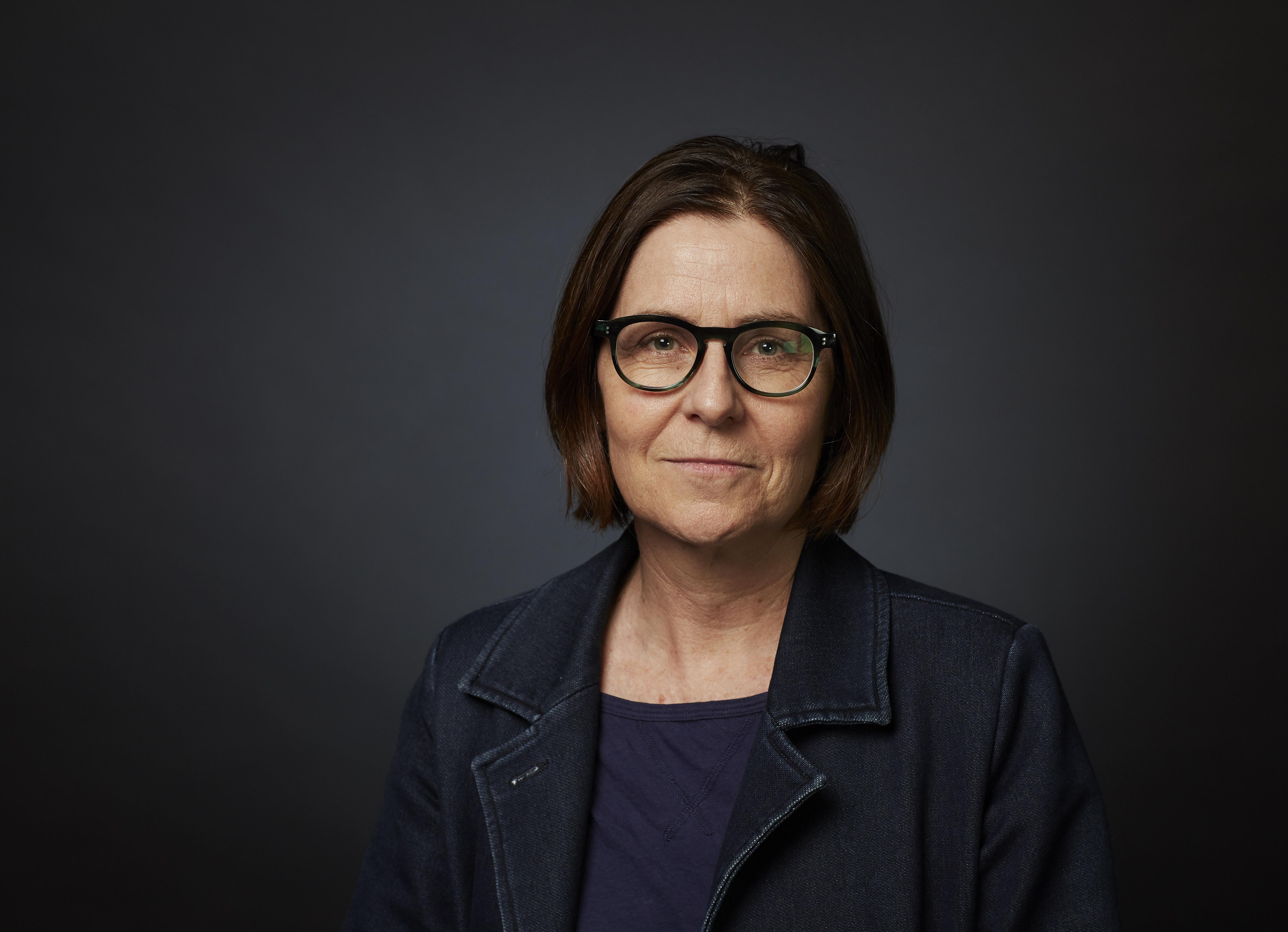 Dr Lisa   Trahair