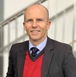 Professor Martin Holke Olof   Ugander