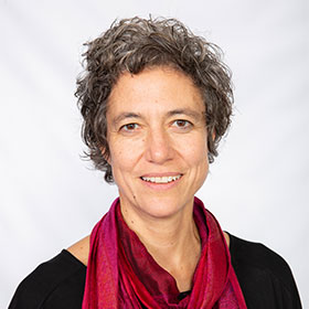 Dr Nadine   Ezard