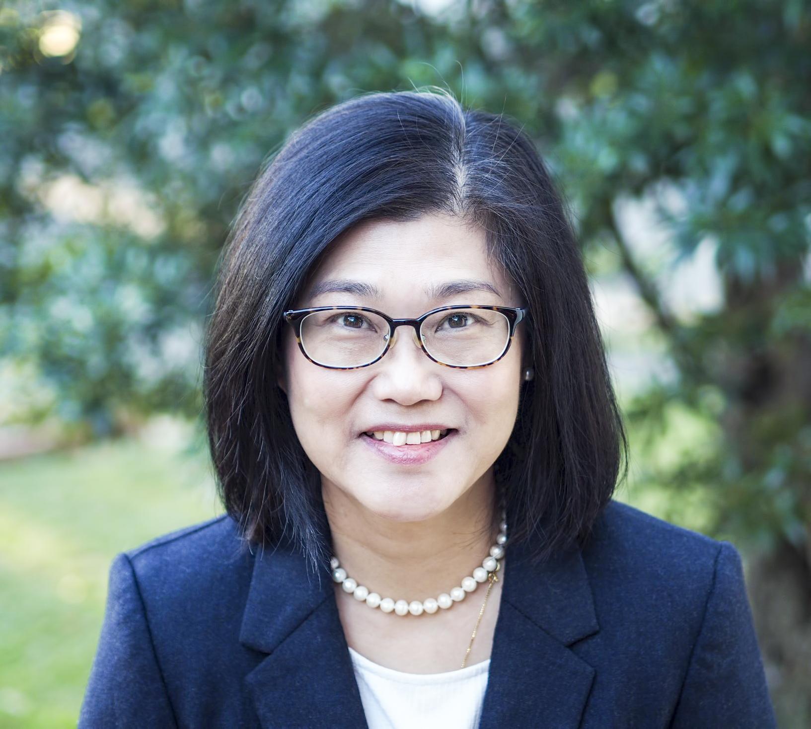Associate Professor Alice   Lee