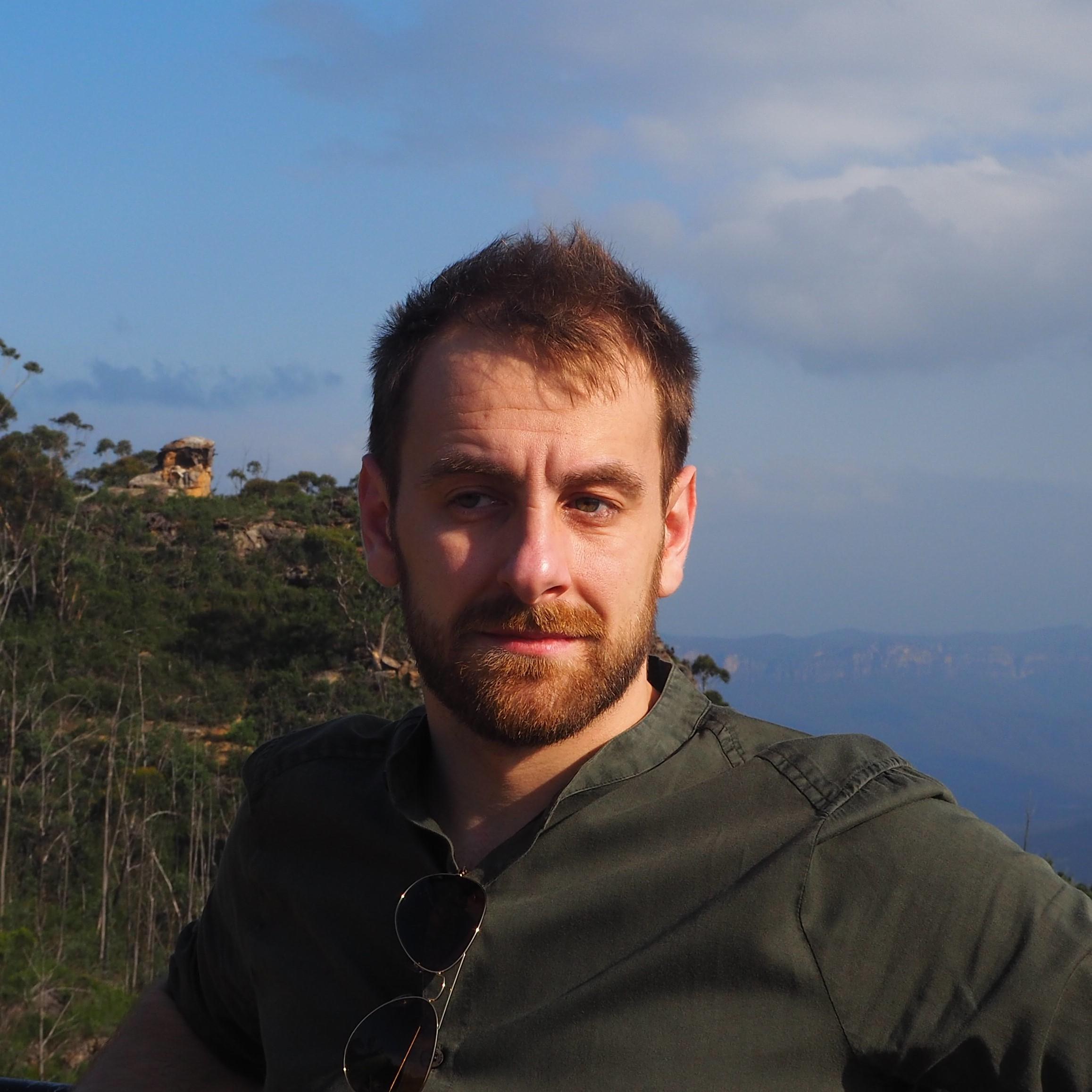 Associate Professor Gabriele   Gratton