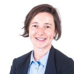 Dr Éidín   Ni She