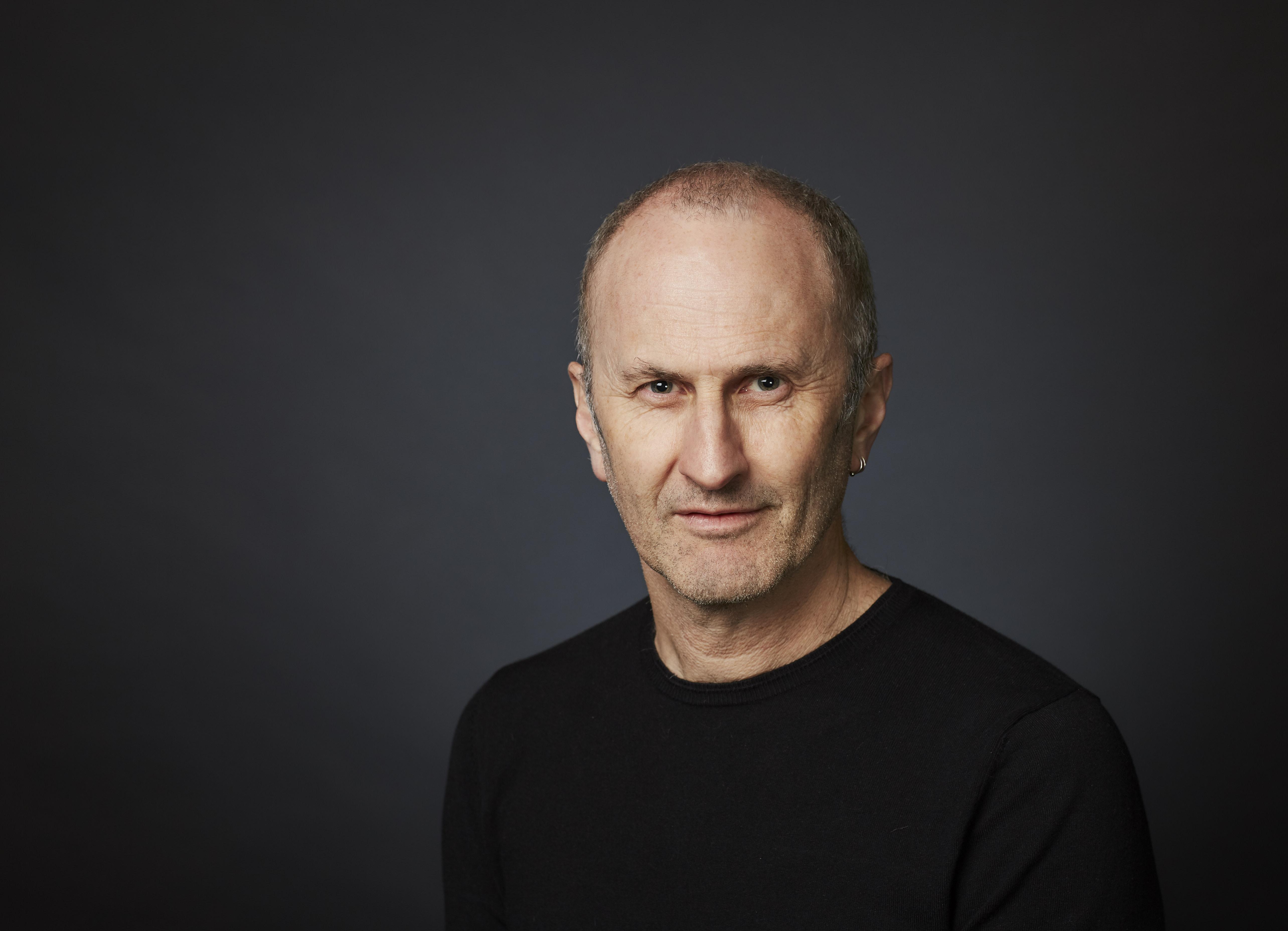 Associate Professor Simon   Lumsden