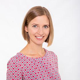 Dr Sara   Farnbach