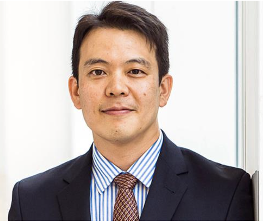 Associate Professor Hokyu   Hwang
