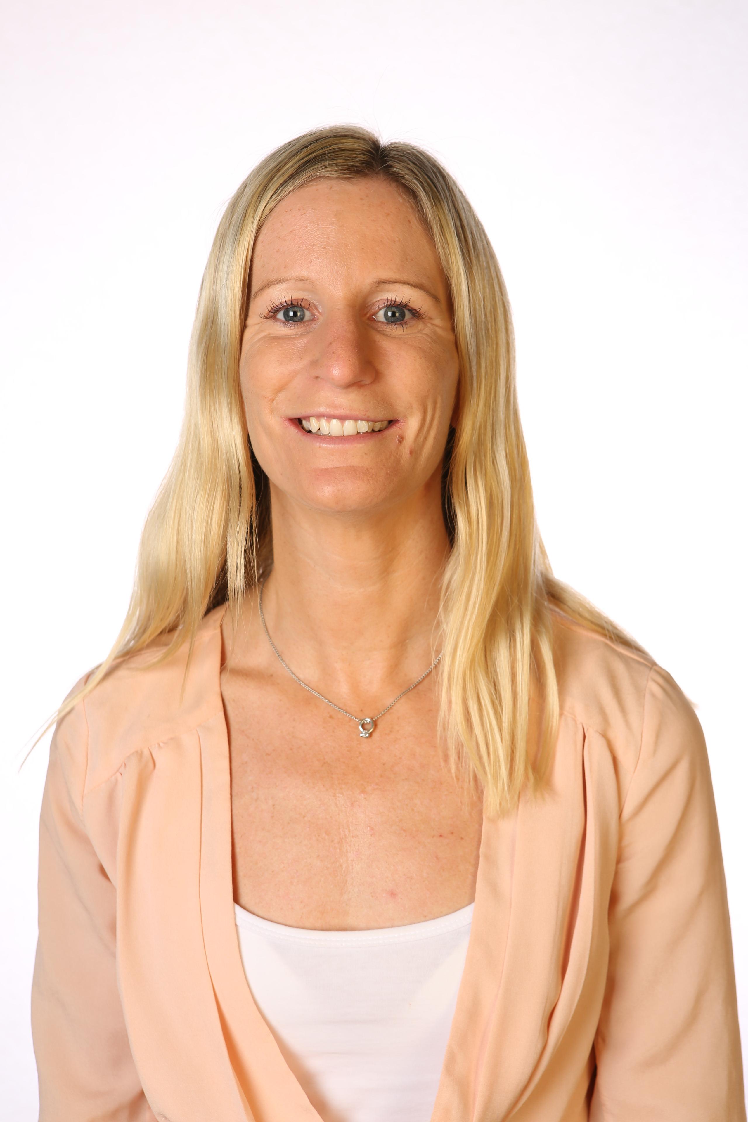 Dr Rona   Macniven