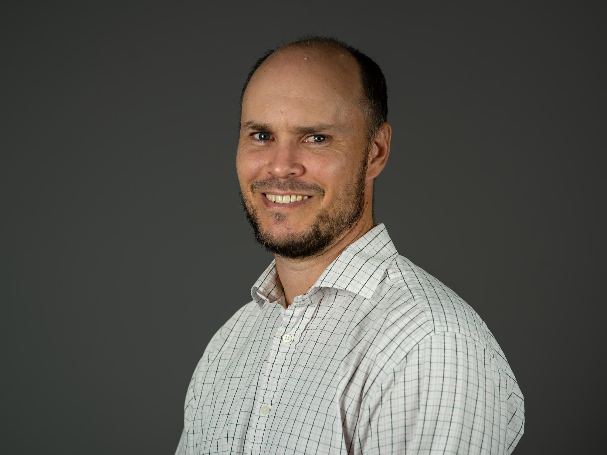Dr Andrew   Keech