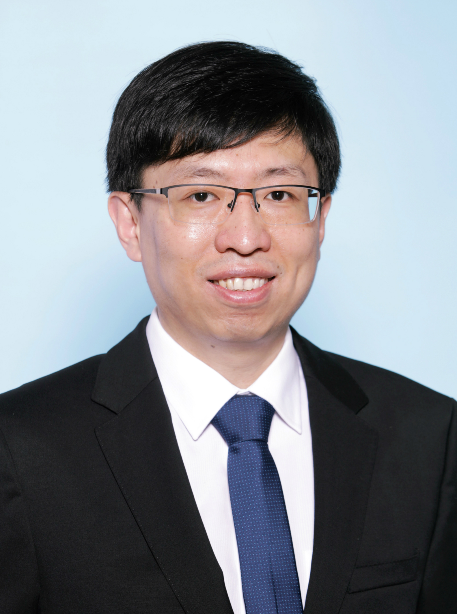 Associate Professor Ang   Liu