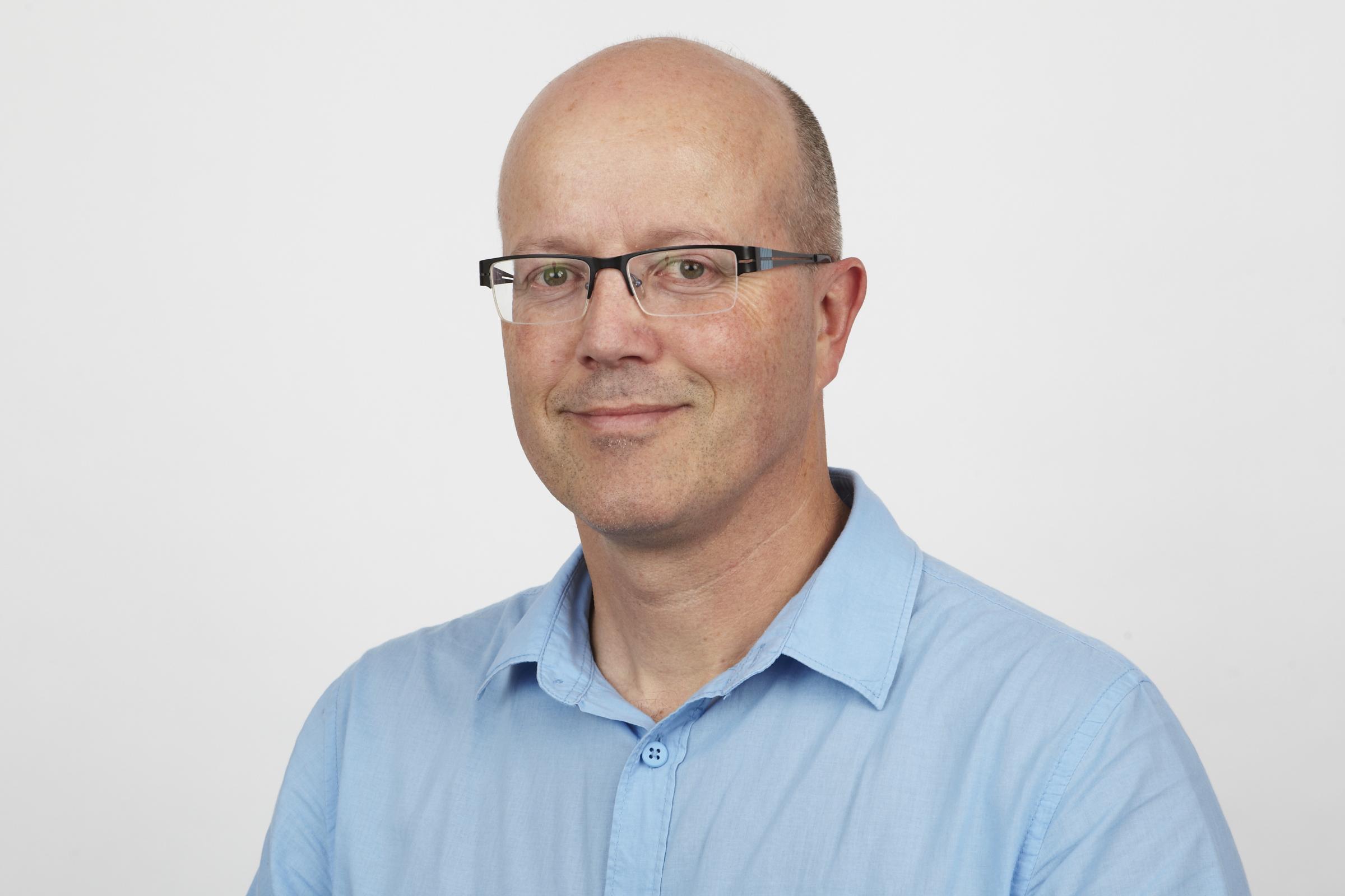 Dr Antony   Cooper
