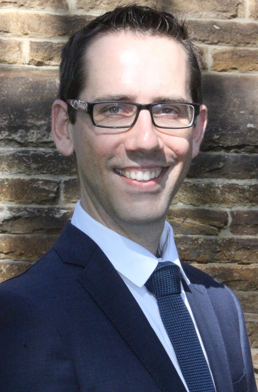 Dr Chris   Elliot