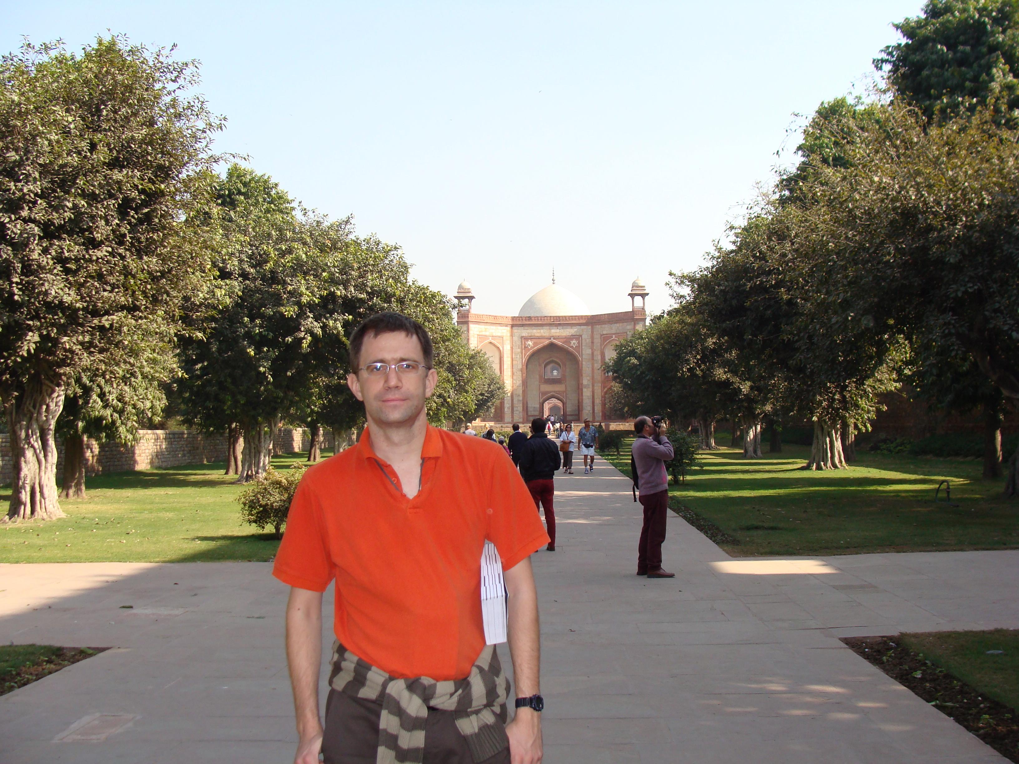 Associate Professor Dimi   Culcer