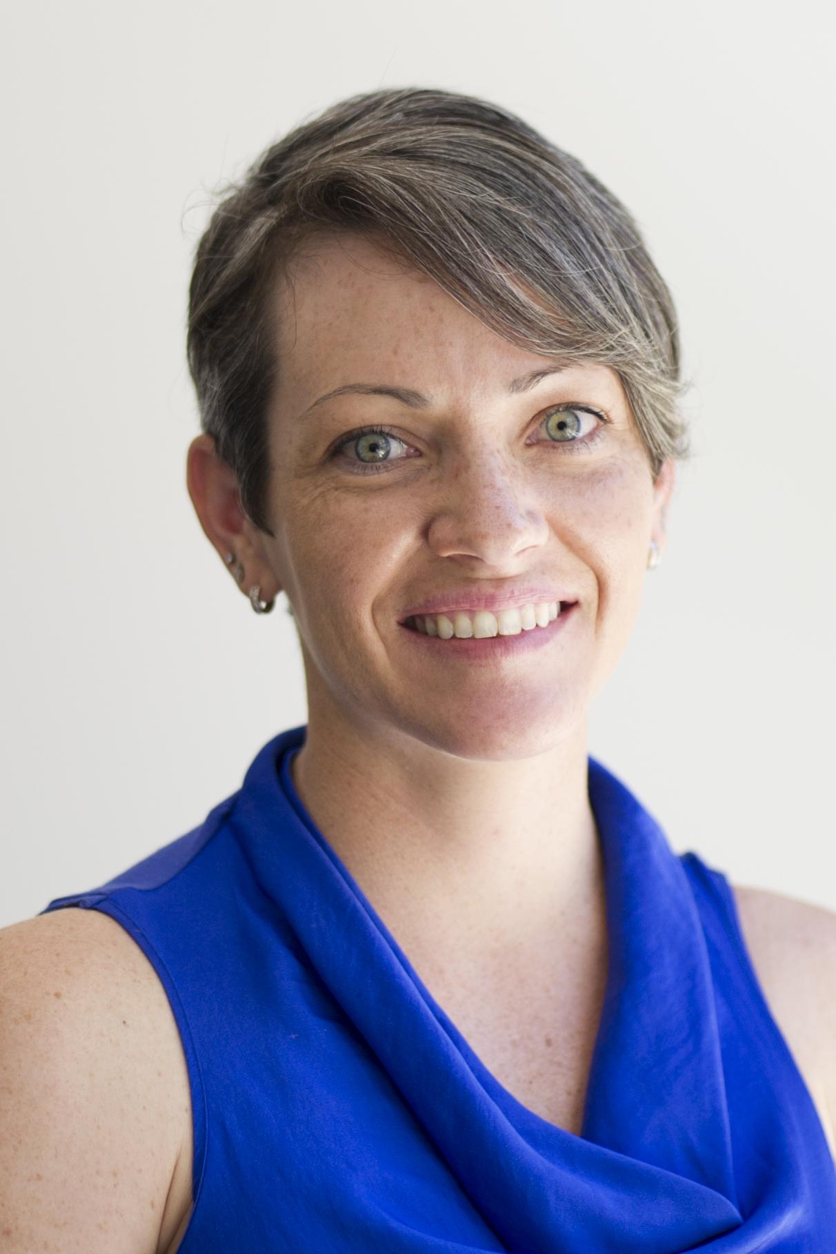 Dr Ria   Arnold