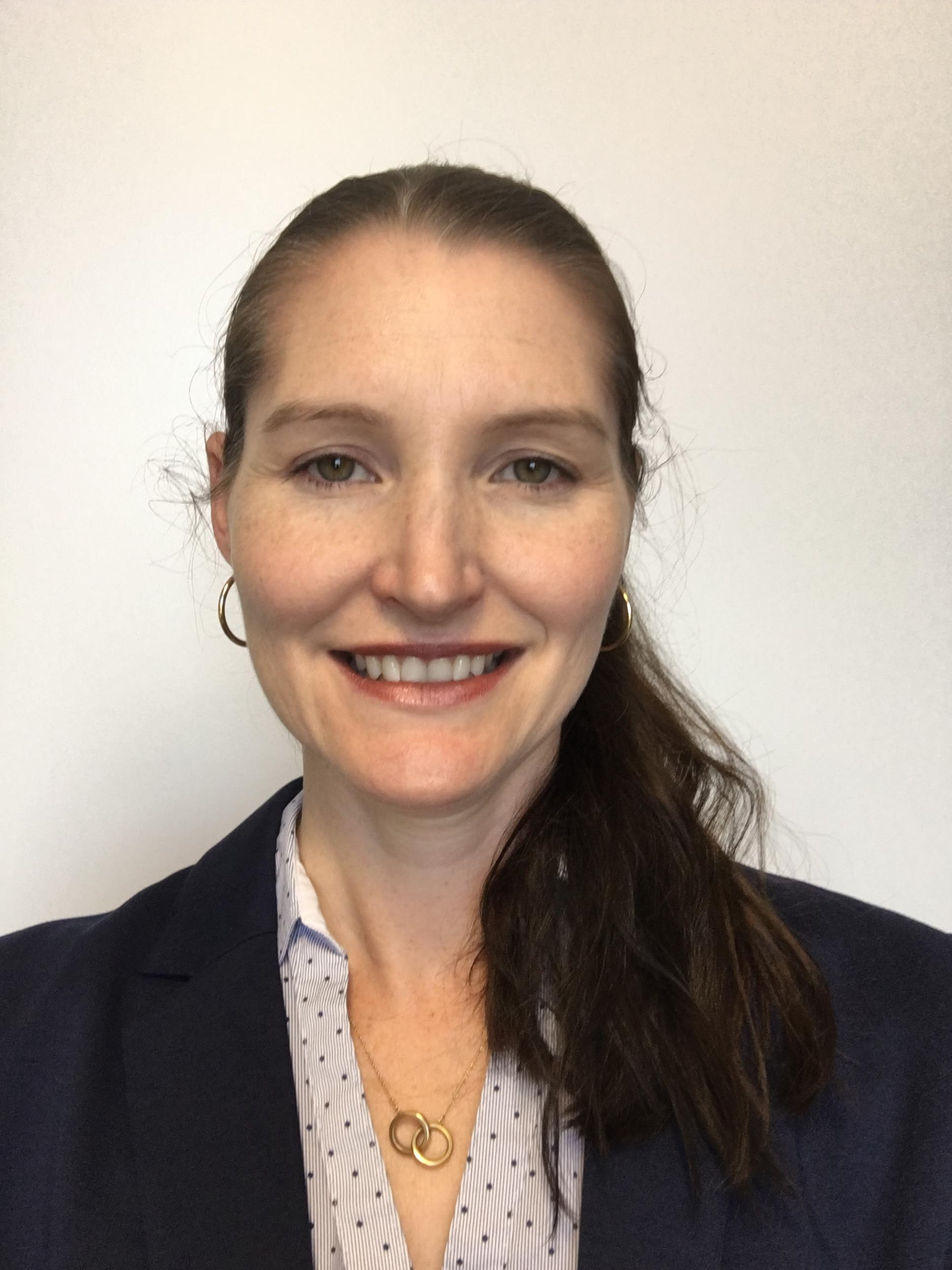 Dr Chantelle Lisa Evelyn Ahlenstiel