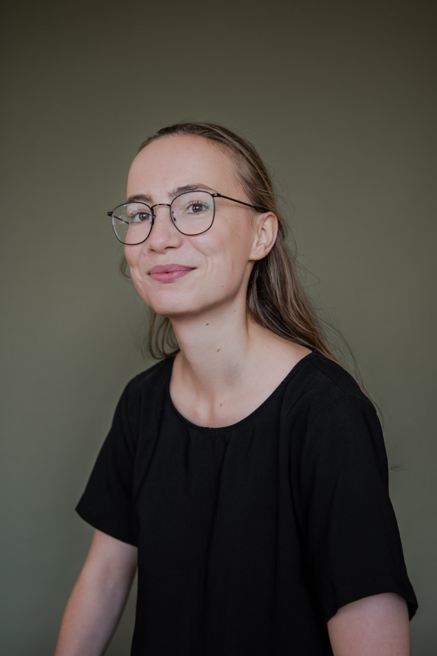 Miss Dana May Leidl
