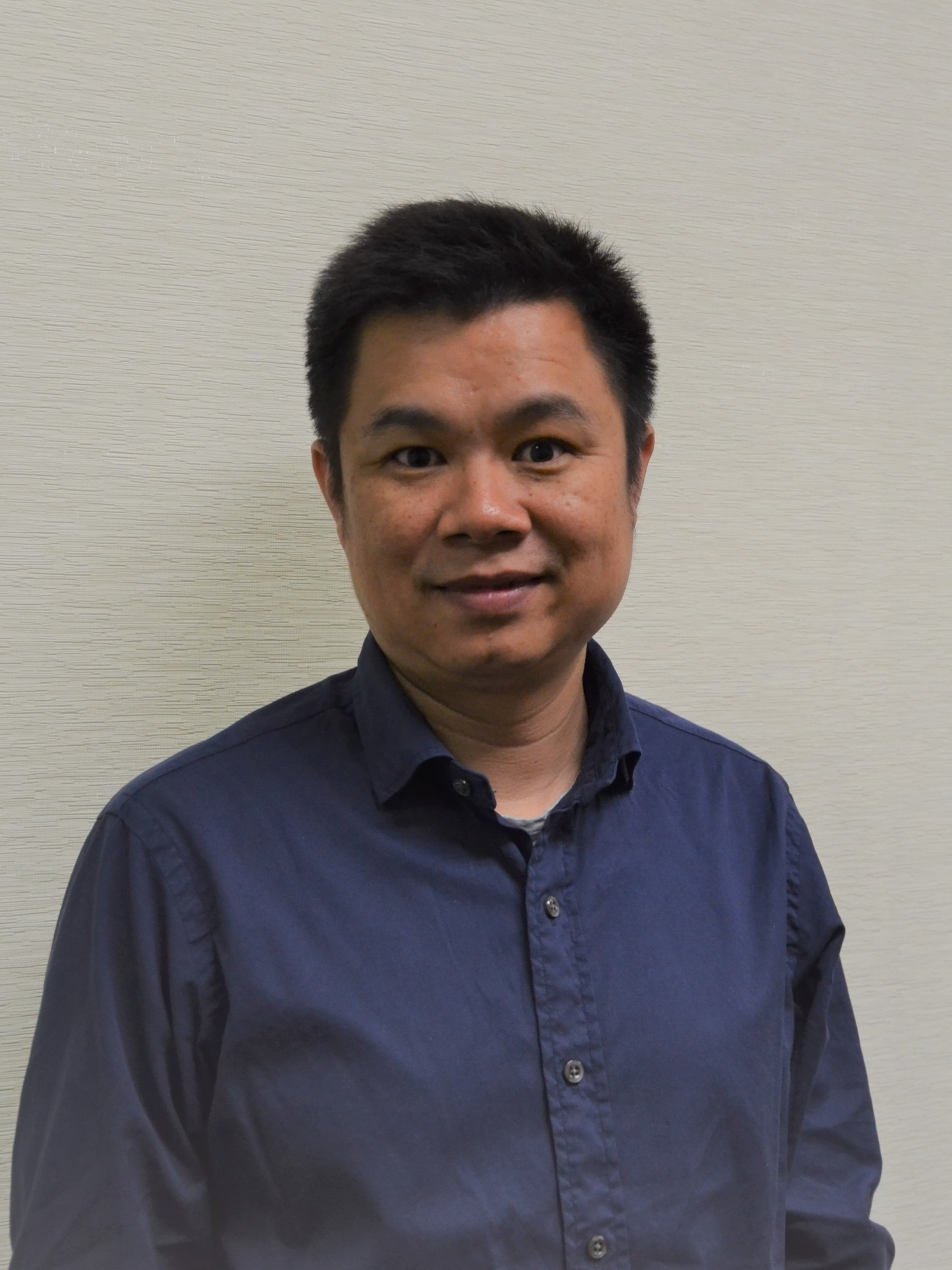 Associate Professor Wen   Hu