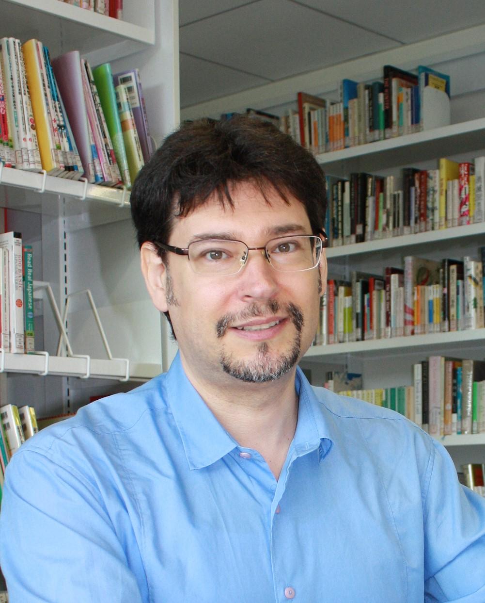 Dr Raffaele   Pernice