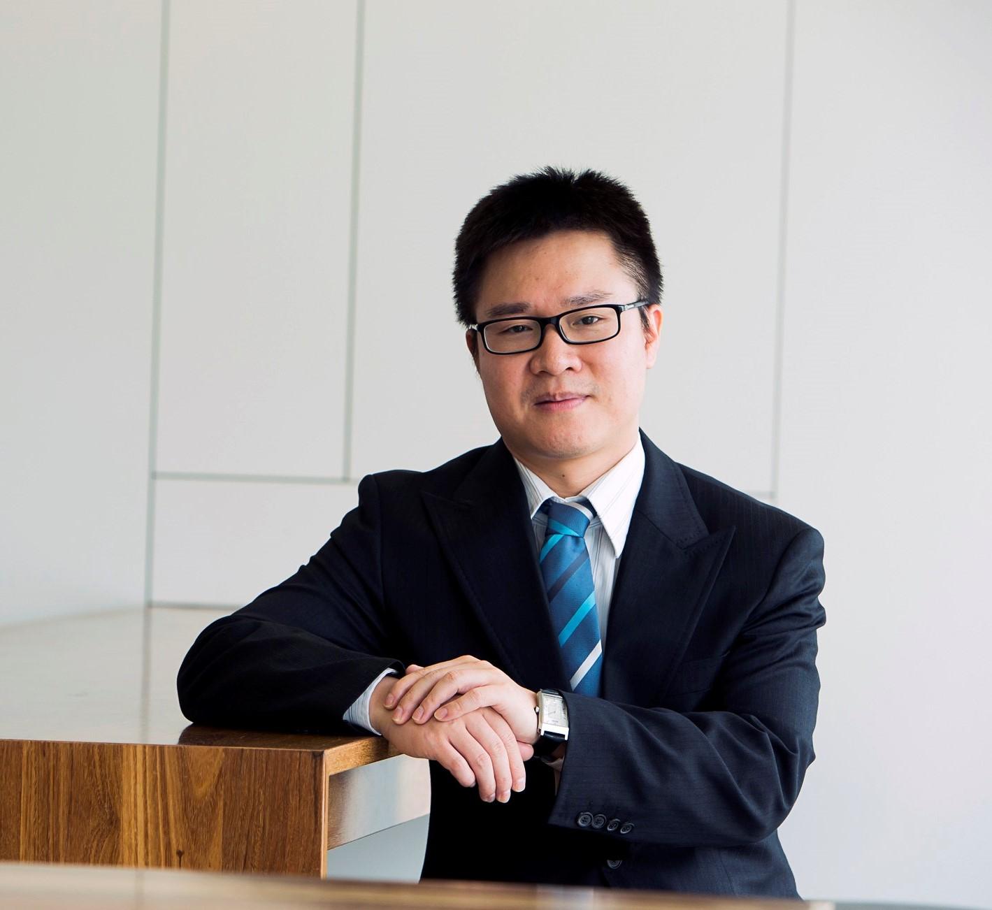 Associate Professor Jianfeng   Shen
